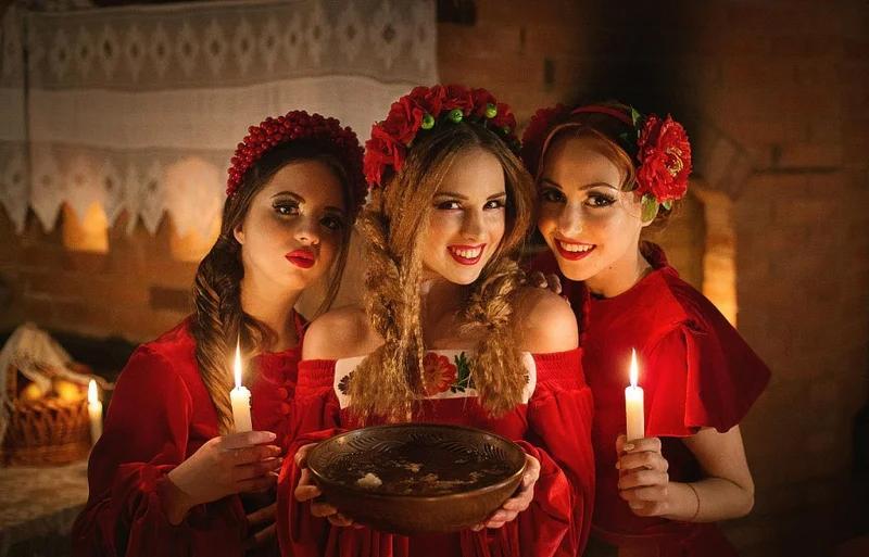 Когда празднуют зимние Святки в России?